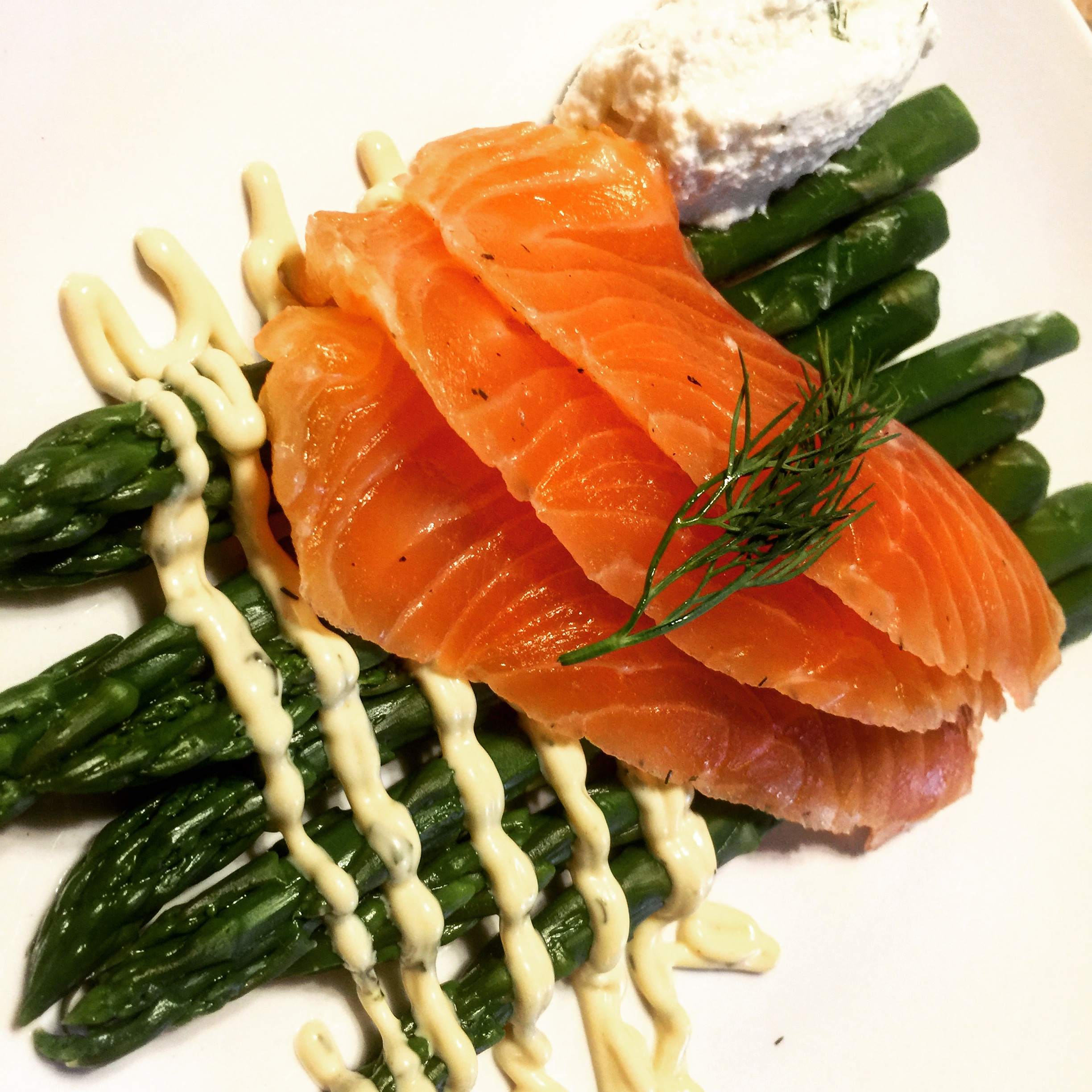 Cured salmon gravlax with honeyed ricotta and asparagus