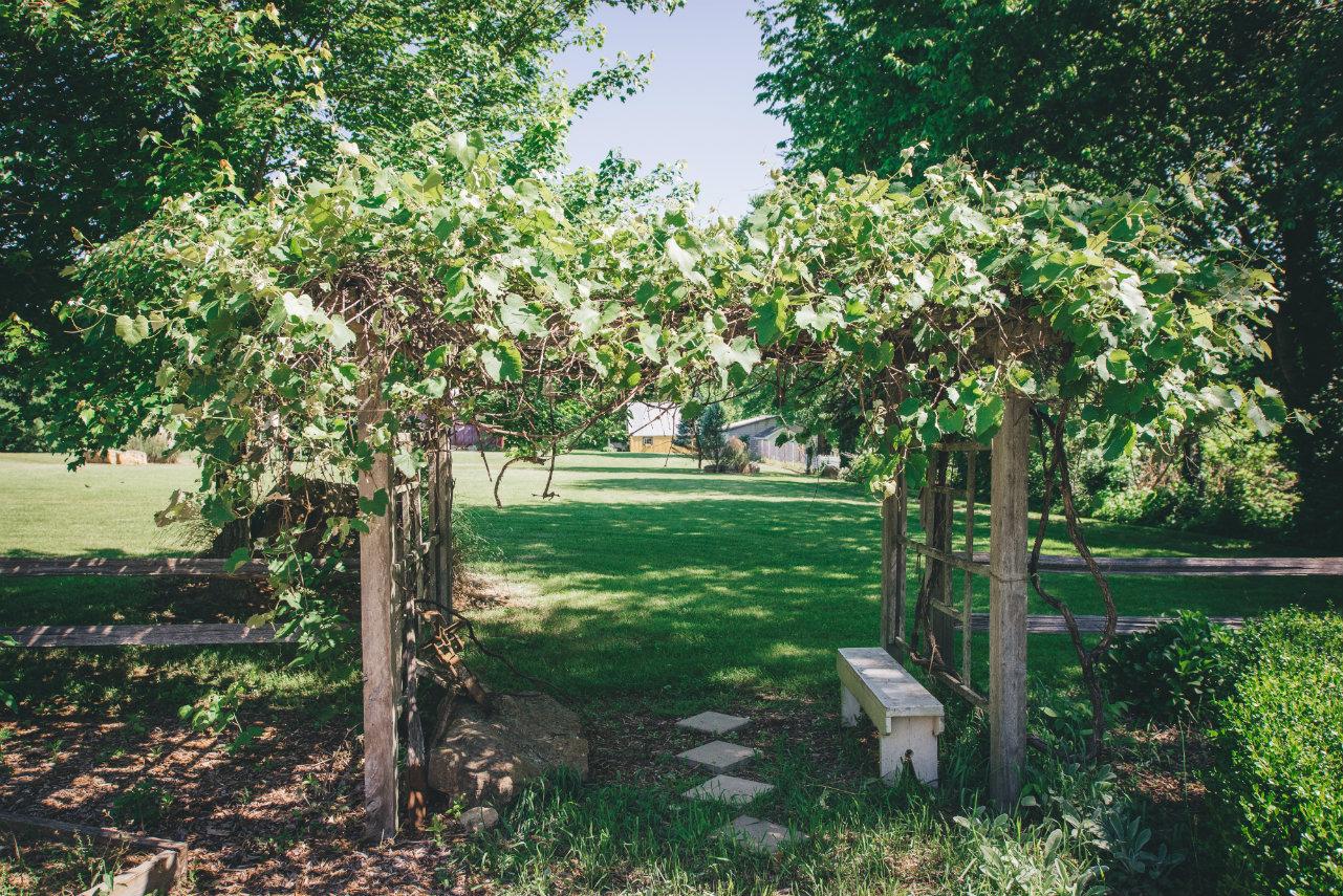 garden hutch resize